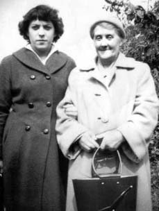 Amelia Jane Hawkins with her daughter-in-law Ida